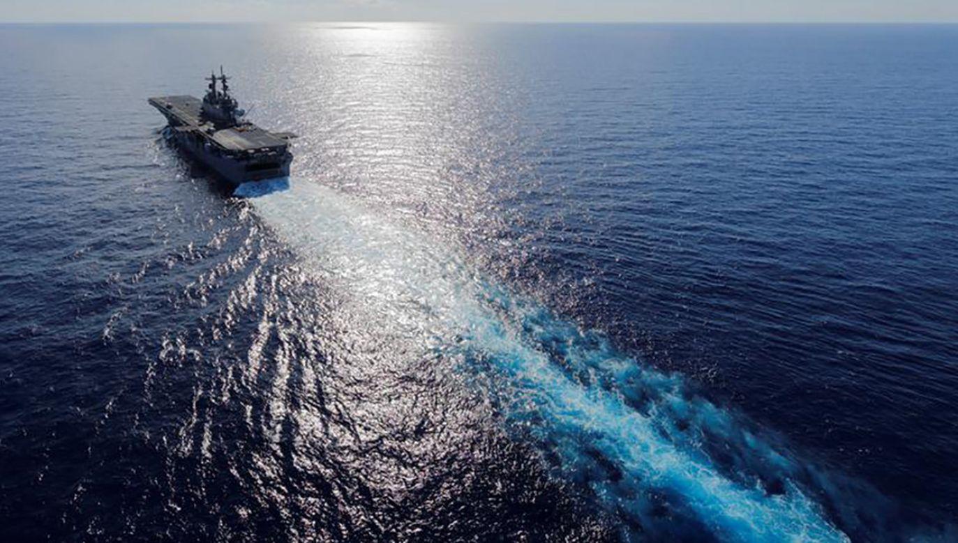 Okręt desantowy Wasp miał odwiedzić byłą brytyjską kolonię w październiku (fot. REUTERS/Jonathan Drake)