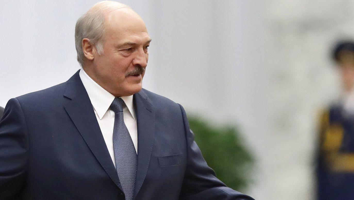 """Łukaszenka skomentował również """"ataki"""" na Białoruś w rosyjskich mediach (fot. PAP/EPA/SERGEI GRITS / POOL)"""