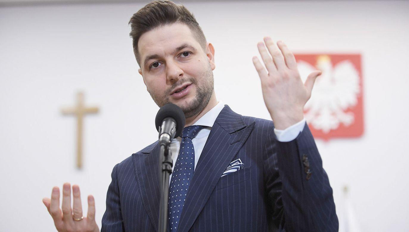 Wiceminister sprawiedliwości Patryk Jaki (fot. PAP/Marcin Obara)
