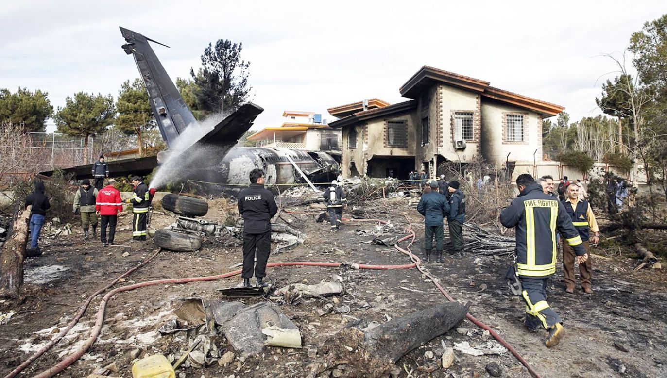 Samolot rozbił się  na lotnisku Fath niedaleko Teheranu (fot. PAP/EPA/HASSAN SHIRAVANI)