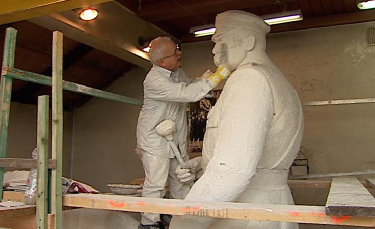 Prace nad pomnikiem marszałka Józefa Piłsudskiego