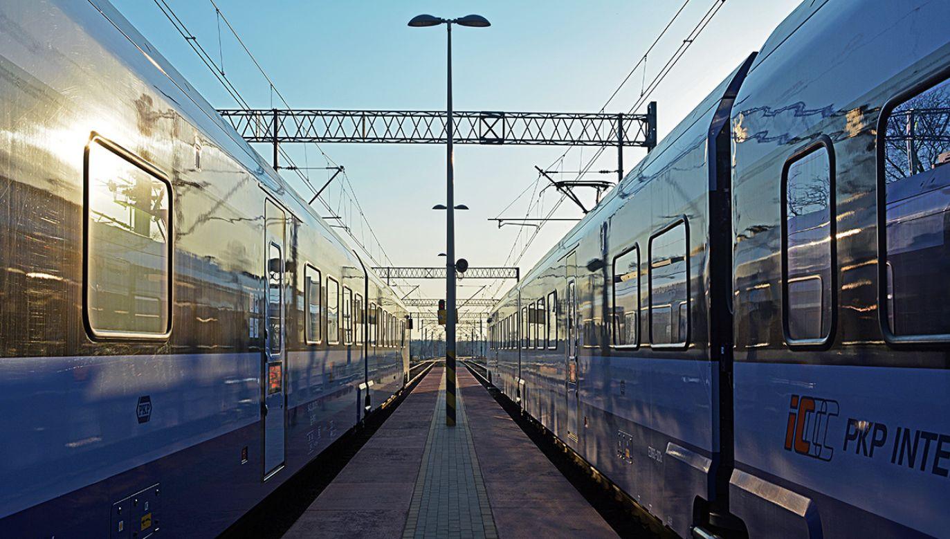 Nowa wersja portalu oferuje podróżnym m.in. śledzenie pociągów w czasie rzeczywistym (fot. Shutterstock/Martyn Jandula)