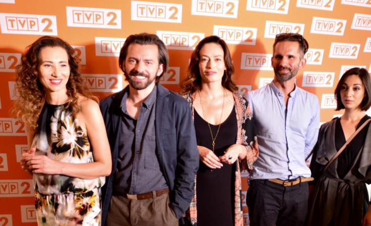 W serialu zagrają m.in. Aleksandra Popławska, Piotr Głowacki, Magdalena Różczka,  Marcin Bosak, Helena Ganjalyan (fot. Mariusz Süss)