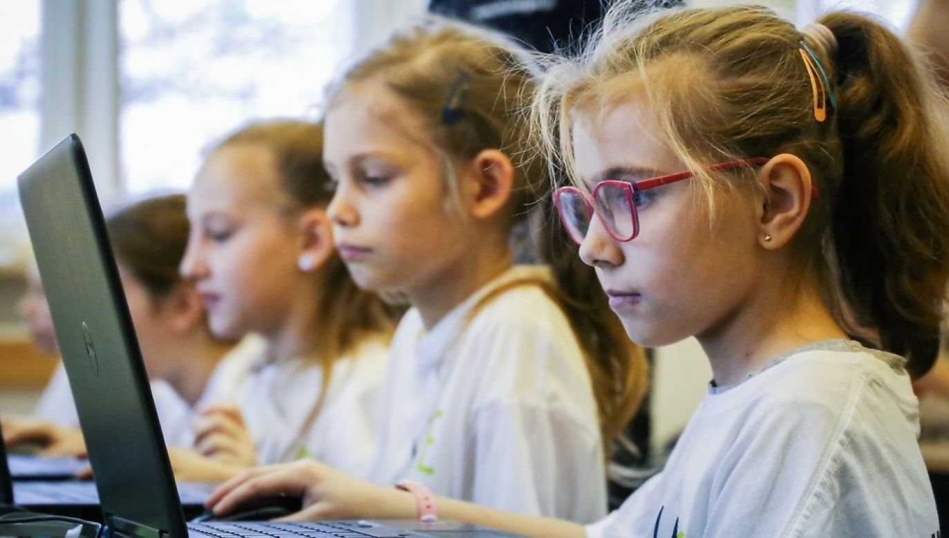 The goal of the lesson was to increase children's digital competencies in the context of their future in the digitalised world and the information community. Photo: UKE