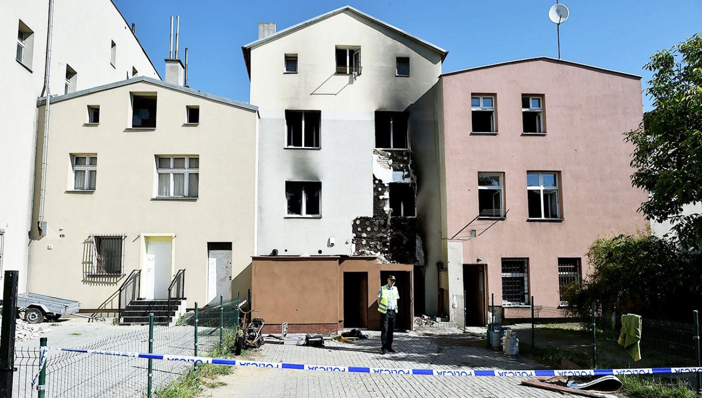 W wyniku śledźtwa ustalono, że sprawca użył łatwopalnej substancji (fot. PAP/Jan Dzban)