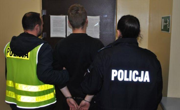 17-latek usłyszał zarzut usiłowania zabójstwa (fot. KWP Olsztyn)