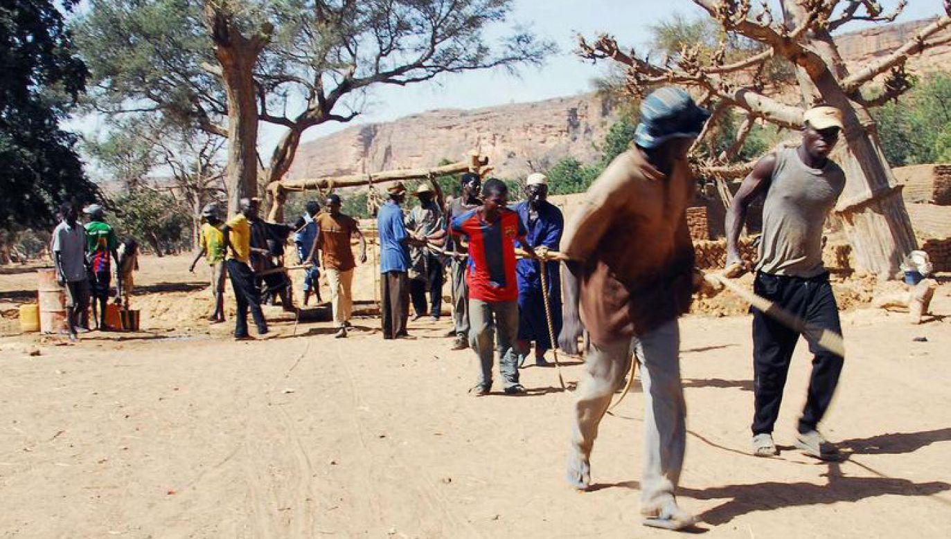 Masakry dokonano prawdopodobnie na tle etnicznym (fot. Reuters/Florin Iorganda)