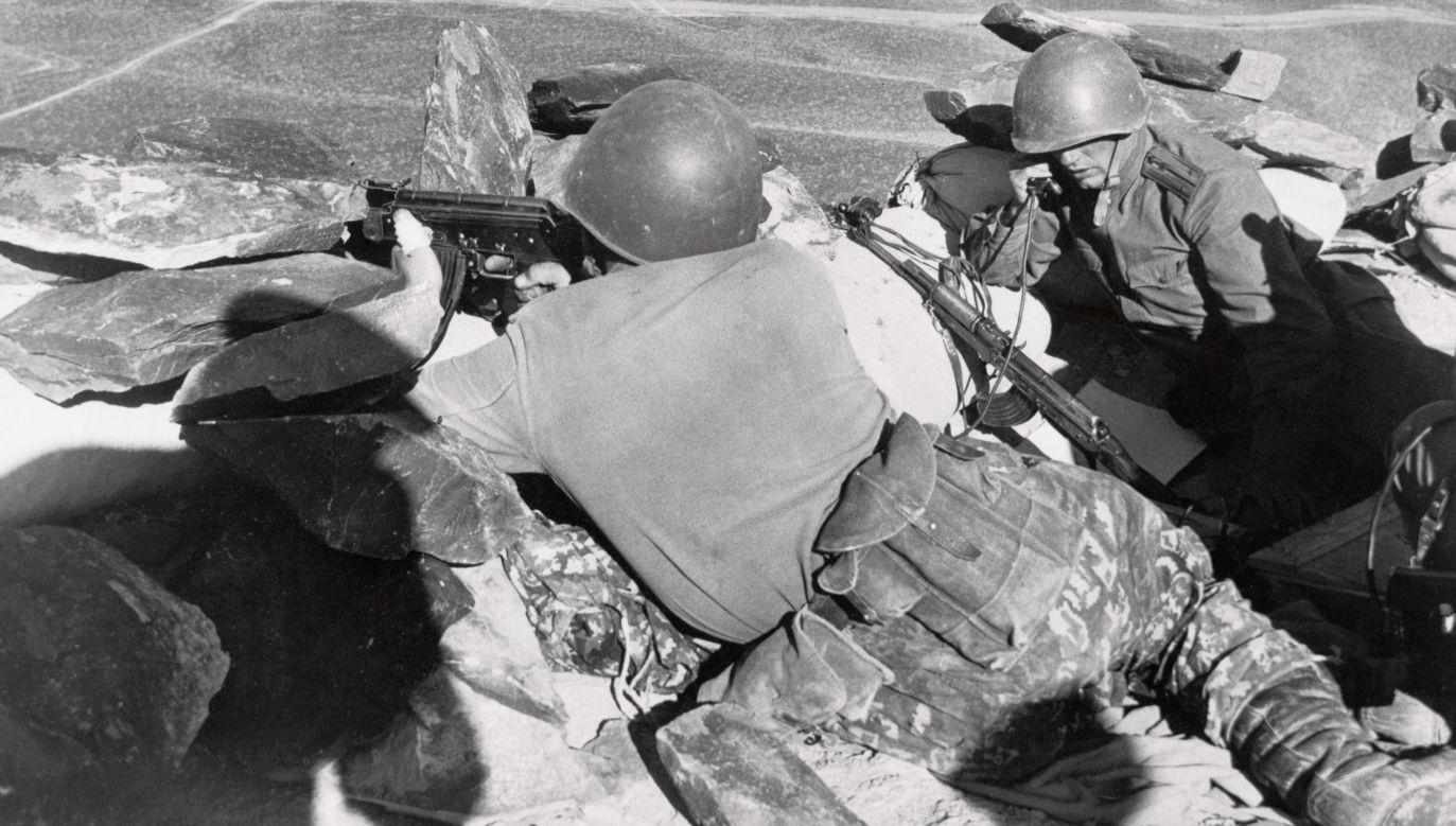 """Sowiecka stanica """"Niżnie-Michajłowka"""" ok. 10 km od wyspy Damanskij w kwietniu 1969. To stąd 2 marca 1969 ruszył patrol porucznika Iwana Strielnikowa, który został wystrzelany przez chiińskich zołnierzy. Fot. Bettmann/Getty Images"""
