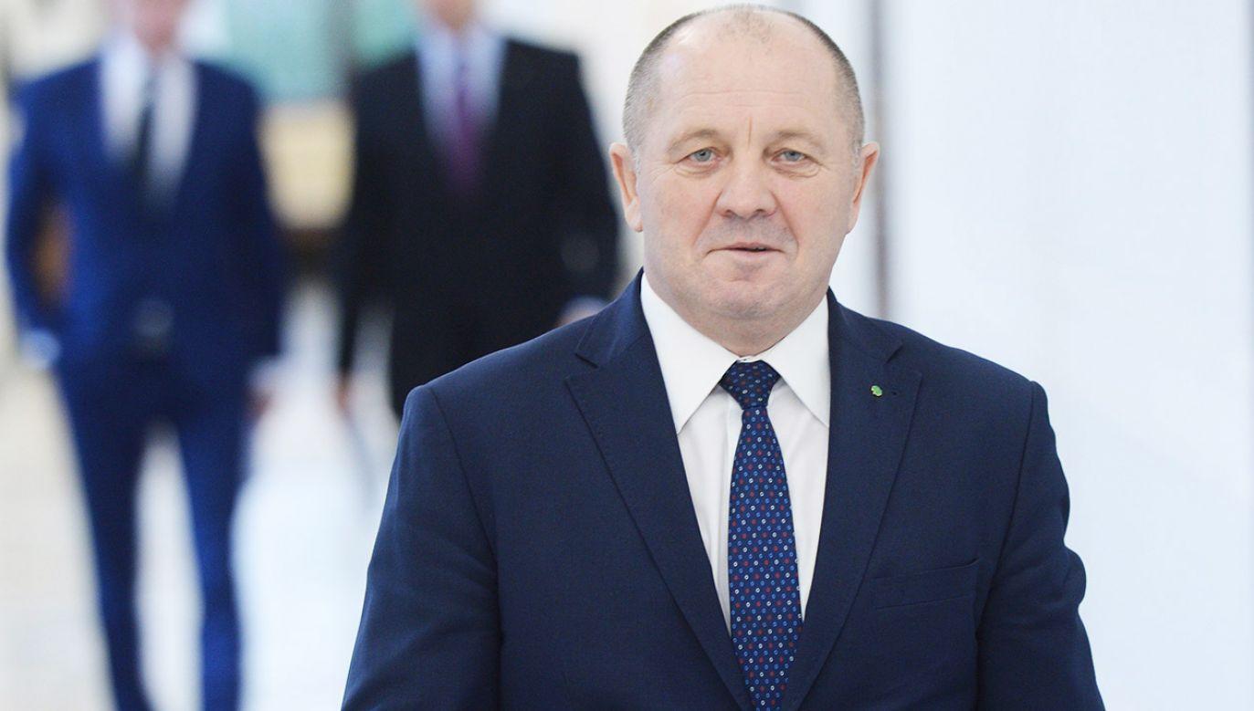 """Marek Sawicki jest niemal pewny, że """"dysponentem tych taśm jest minister sprawiedliwości"""" (fot. arch.PAP/Jacek Turczyk)"""