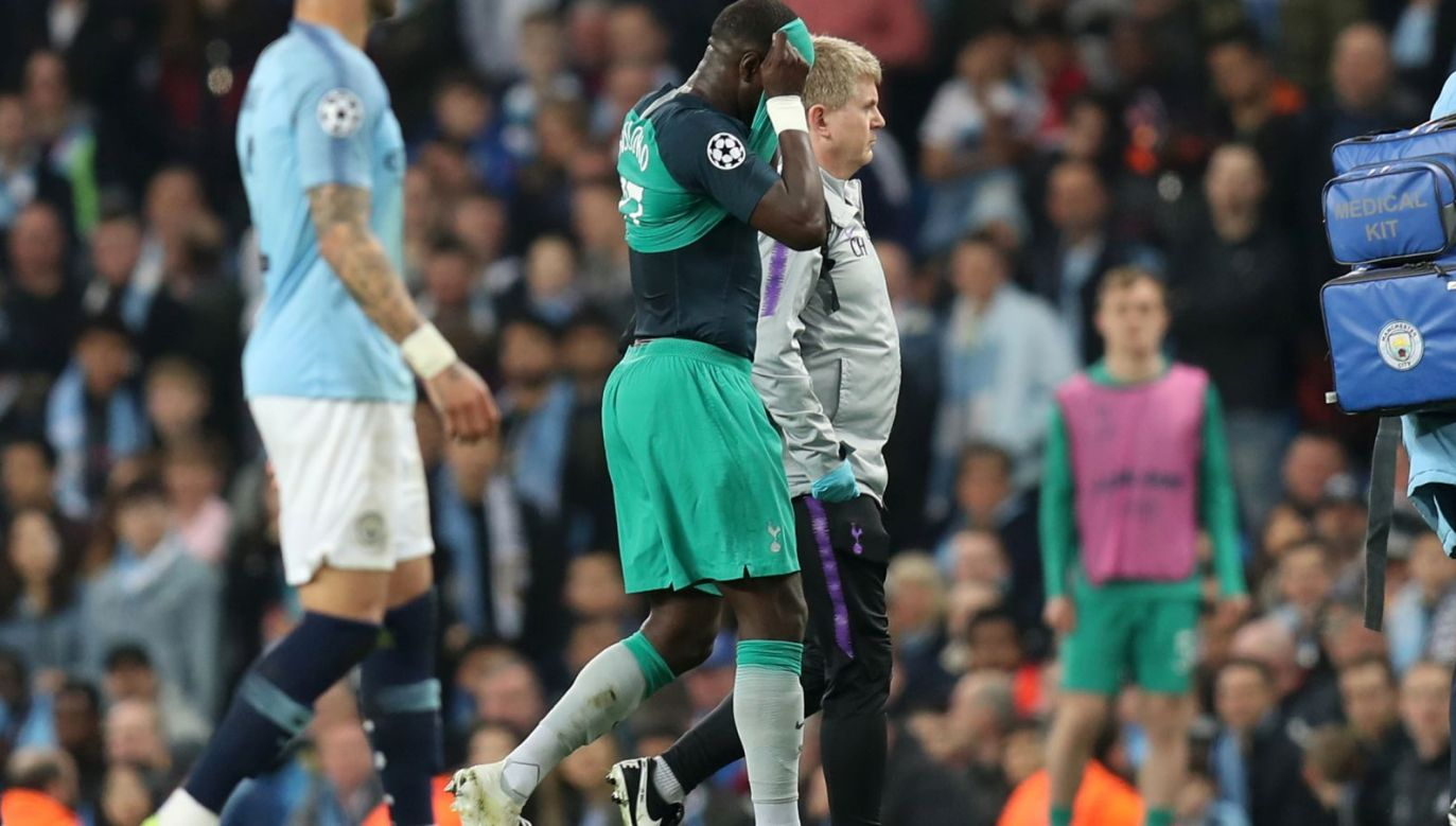 Manchester City – Tottenham: Moussa Sissoko jeszcze w pierwszej połowie zszedł z kontuzją (Fot. Getty)