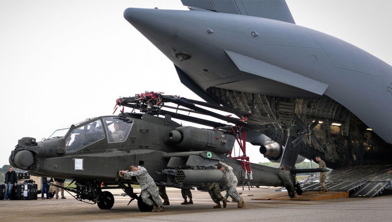 Znaczne ilości gazów cierplarnianych są emitowane podczas transportu wojsk i broni (fot. US Army/Staff Sgt. Roberto Di Giovine)