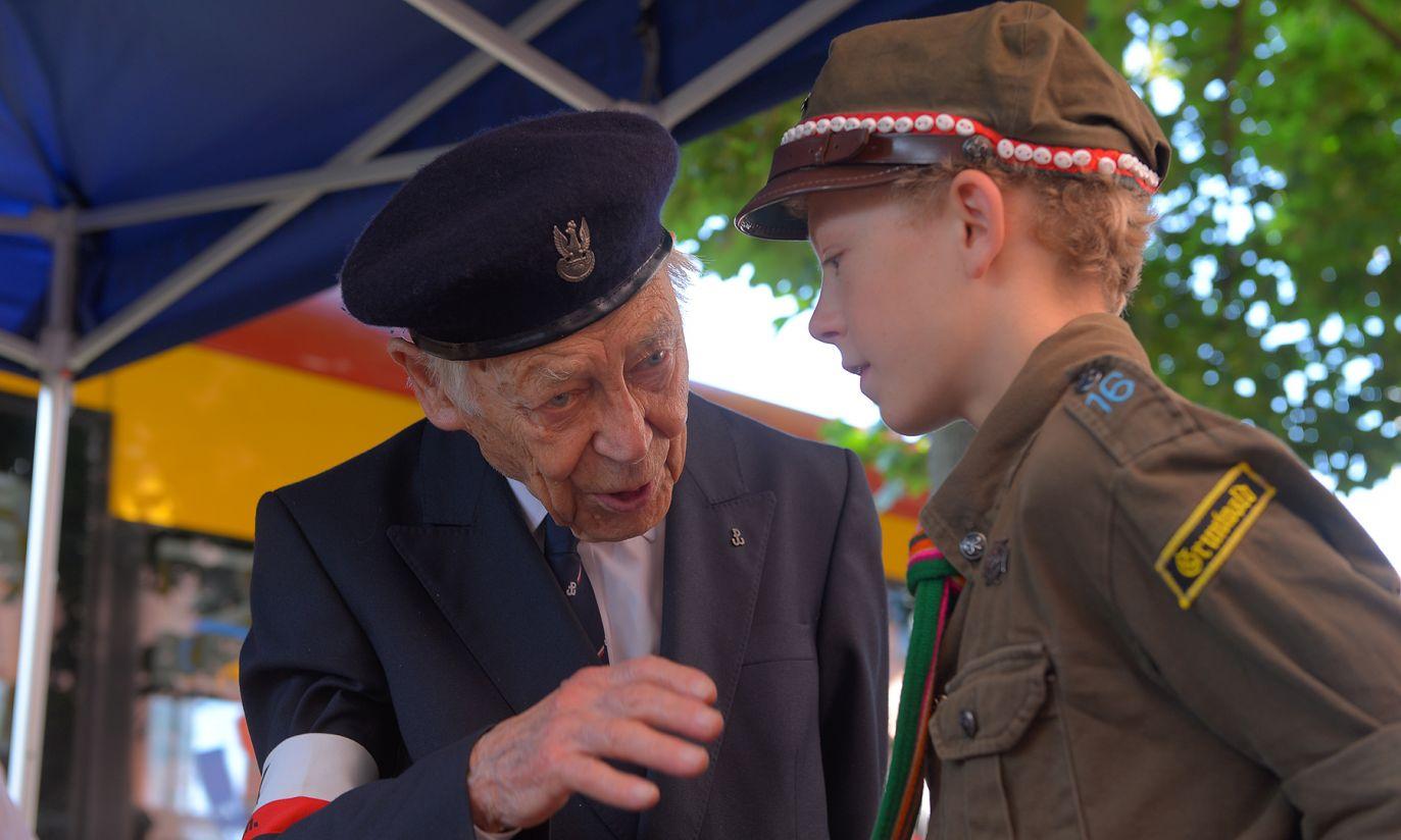 Uroczystości na ul. Filtrowej  (fot. PAP/Stach Leszczyński)