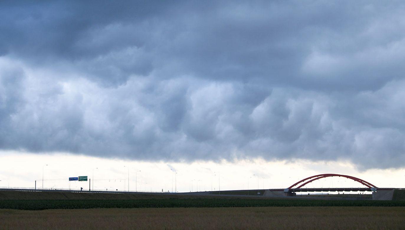 W niektórych miejscach Polski możliwe są nawet burze z gradem (fot. PAP/Darek Delmanowicz)