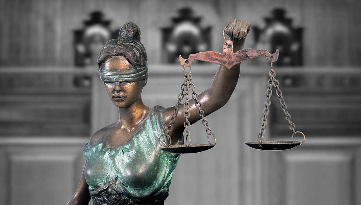 Poprzednie ekipy rządzące zaniedbywały sprawę płac dla pracowników sądownictwa (fot. Shutterstock/icedmocha)