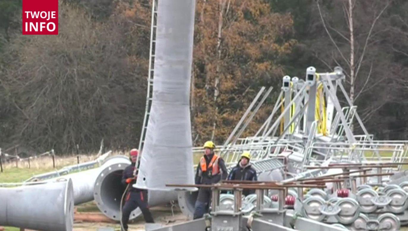 Paczka z trytolem znaleziona podczas rekonstrukcji mostu (fot. TVP Info)