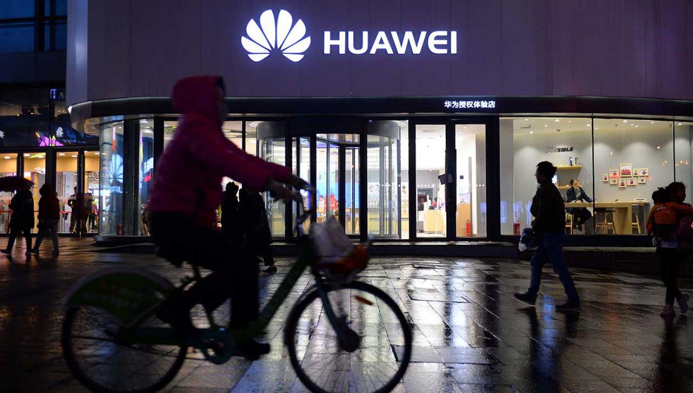 Decyzja ma zapewnić firmom wykorzystującym rozwiązania Huawei więcej czasu na zmiany w ich modelu biznesowym (fot. REUTERS/Stringer)