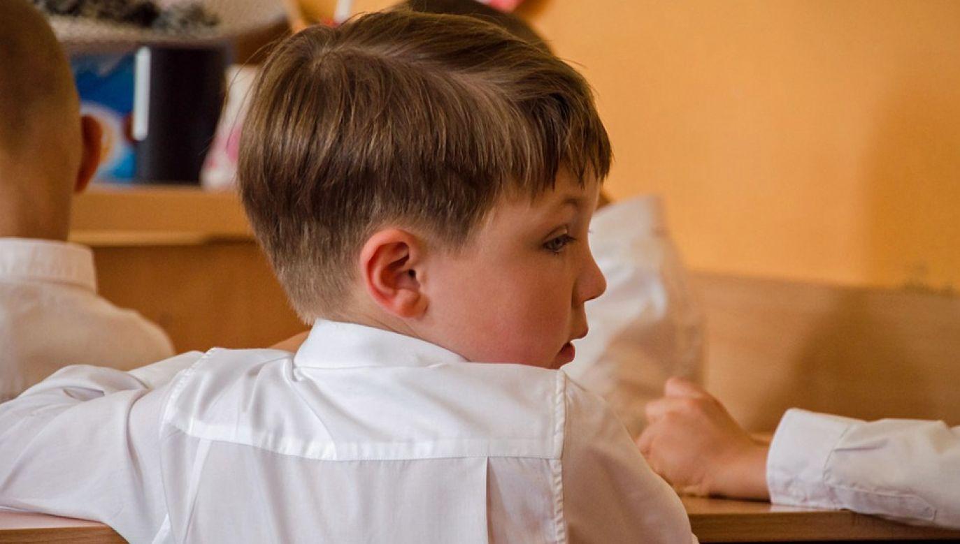 """O. Leon Knabit wskazuje, że deprawacja dzieci to """"kpina z etyki"""" (fot. Maxpixel)"""