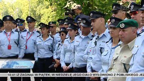 Wspólna pamięć. Izraelscy policjanci na Cmentarzu żydowskim na Pakoszu