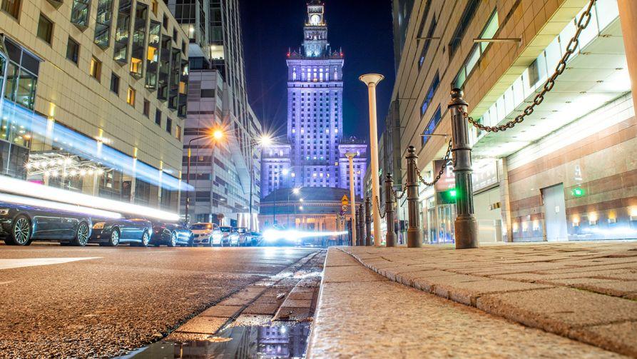 Lista klientów agencji zaczęła krążyć po Warszawie i stała się przedmiotem handlu (fot. Shutterstock/Nate Hovee)