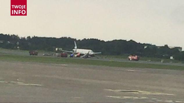 Decyzję o awaryjnym lądowaniu podjęli piloci samolotu (fot. Twoje Info/Krystian Wichrowski)