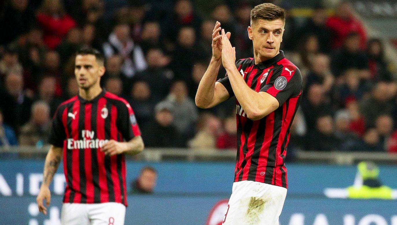 Krzysztof Piątek i jego AC Milan przegrał mecz z Interem Mediolan  (fot. PAP/EPA/ROBERTO BREGANI)