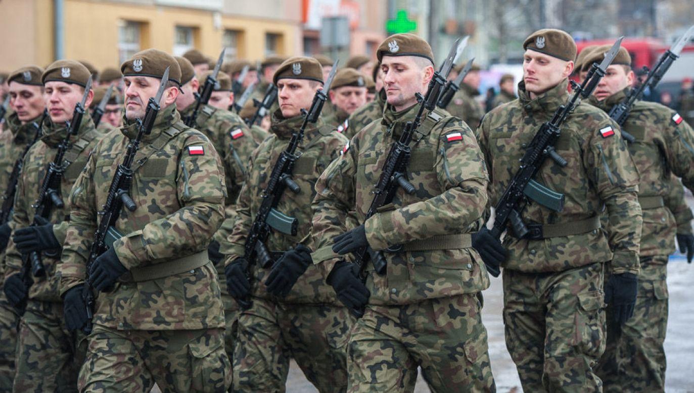 Uroczystość złożenia przysięgi wojskowej żołnierzy WOT (Fot. W. Kompała / KPRM)