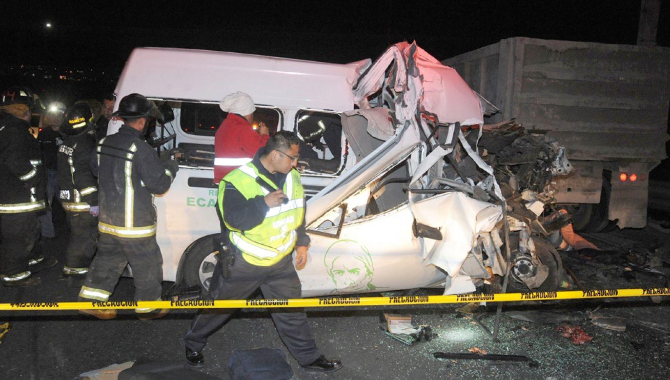 13 osób zginęło w wypadku na autostradzie w Meksyku (fot. PAP/EPA/STR)