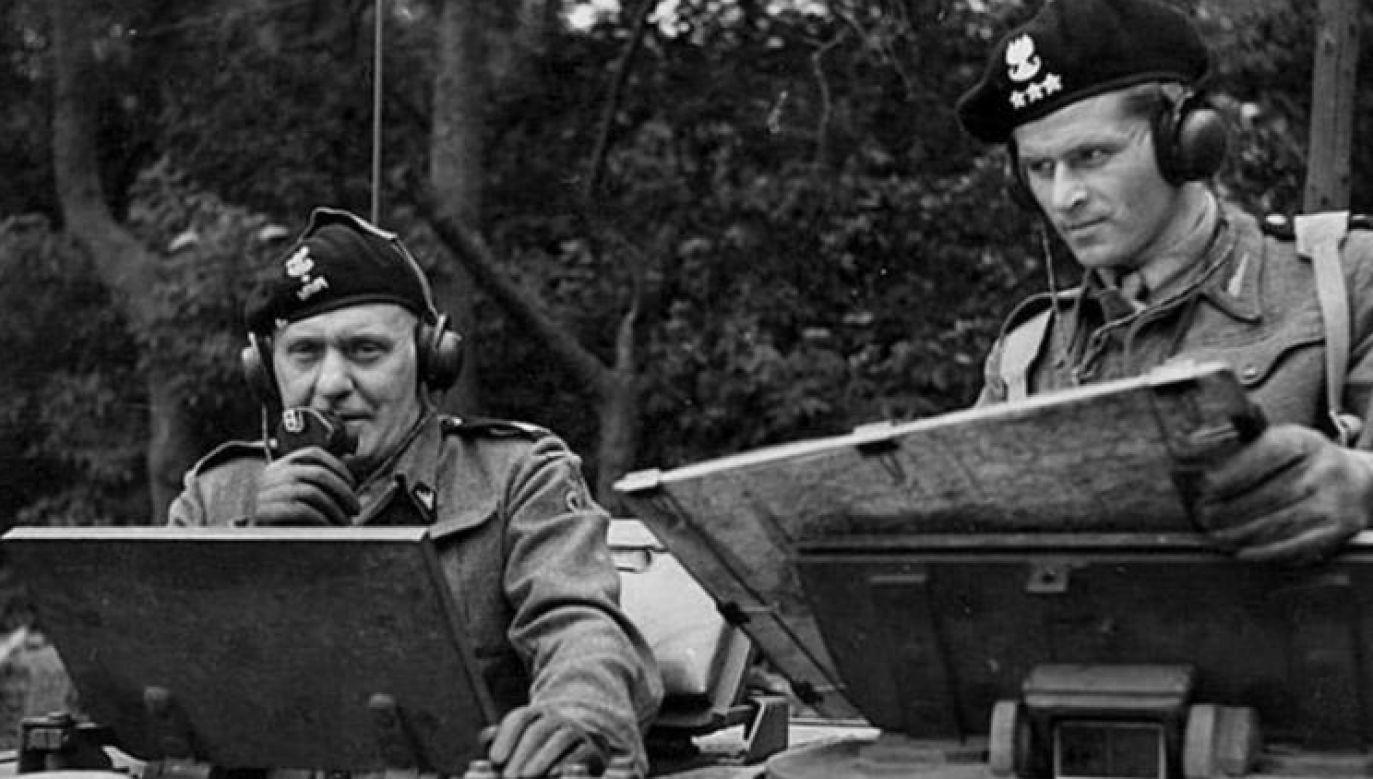 Stanisław Maczek podczas dowodzenia dywizją w 1944 r. (fot. Wikimedia Commons)
