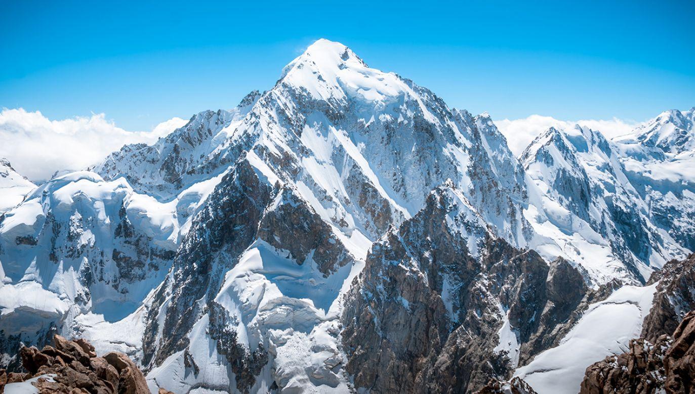 Mount Everest to najwyższy szczyt Ziemi (8848 m n.p.m.) (fot. Shutterstock/Vixit)