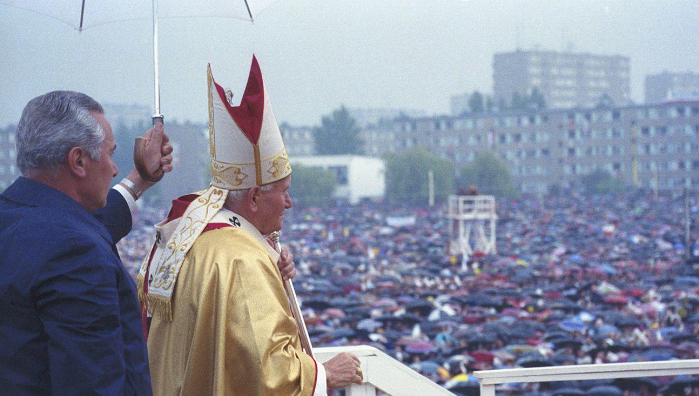 To pierwszy wywiad, jakiego udzielił były papieski kamerdyner, który w Watykanie pracował od czasów Piusa XII (fot. arch.PAP/Wojciech Krynski)