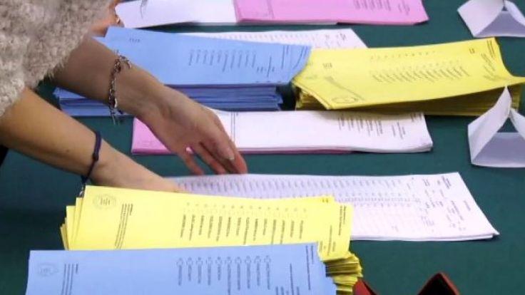 PKW trzy razy przedłużyła termin zakończenia rekrutacji na urzędnika wyborczego