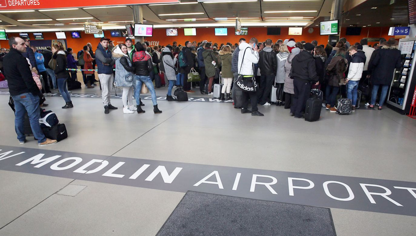 Lotnisko obsługuje regularne rejsy Ryanaira na ponad 50 kierunkach. W tym roku lądowały tu samoloty takich przewoźników jak: Maleth Aero, Small Planet, Enter Air, czy KlasJet (fot. arch.PAP/Tomasz Gzell)