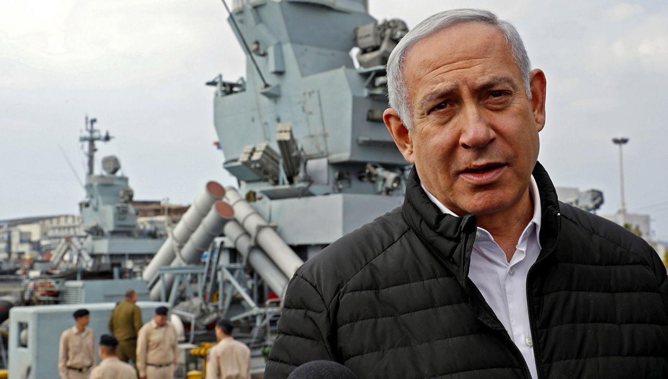 Izraelska prasa podała, że podczas pobytu w Warszawie premier Netanjahu (2L) powiedział, że Polacy kolaborowali z nazistami  (fot. PAP/EPA/JACK GUEZ / POOL)