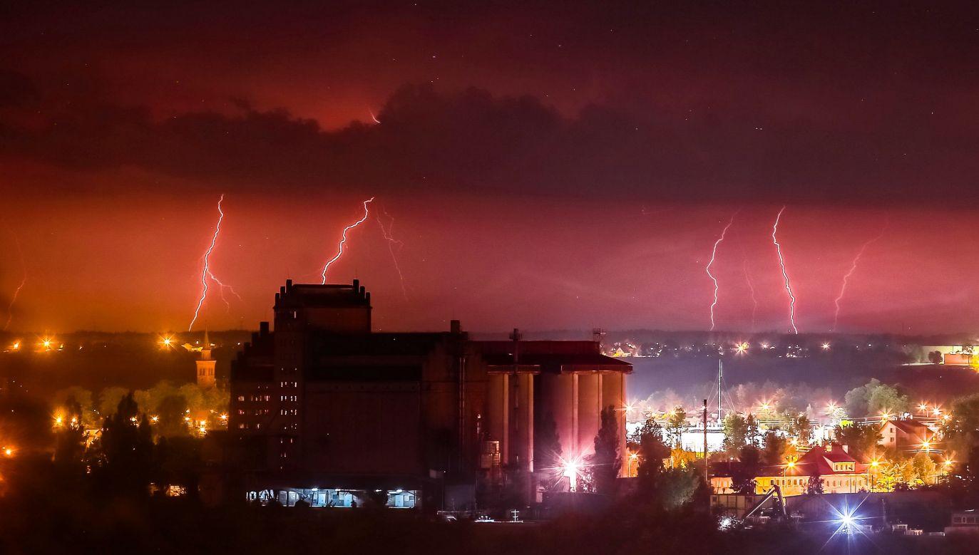 Synoptycy zapowiadają powrót burz (fot. PAP/Piotr Augustyniak)