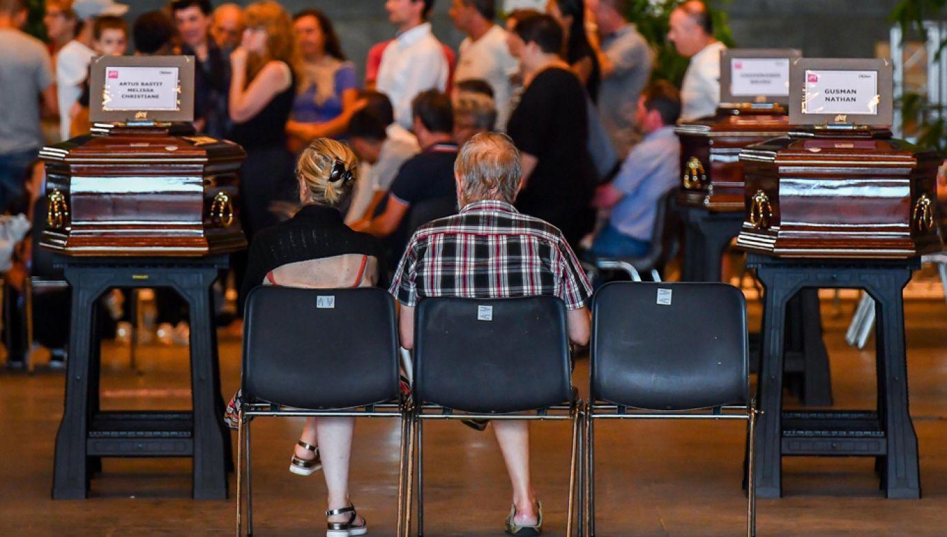 Sobota jest we Włoszech dniem żałoby narodowej (fot. PAP/EPA/SIMONE ARVEDA)