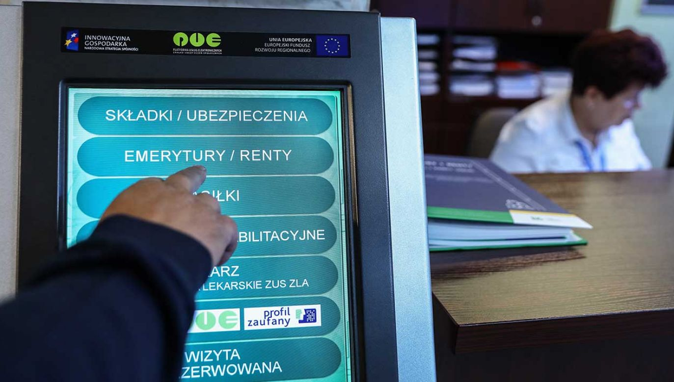 Od 1 marca 2019 r. emerytury i renty wzrosną o co najmniej 70 zł (fot. arch. PAP/Rafał Guz)