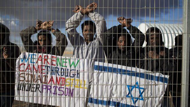 Ma zostać zamknięty obóz dla migrantów Holot na pustyni Negew (fot. Ilia Yefimovich/Getty Images)