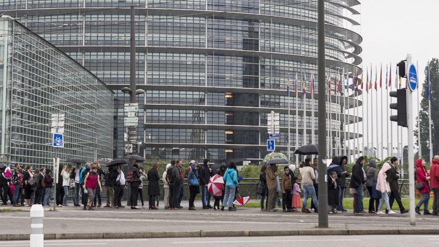 Dotychczas rządząca koalicja chadeków i socjalistów prawdopodobnie nie uzyska większości w nowej kadencji europarlamentu (fot. Elyxandro Cegarra/NurPhoto via Getty Images)