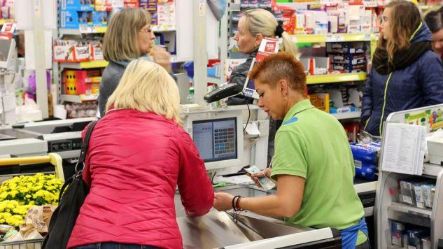 Do kradzieży doszło w jednym z dyskontów (fot. Shutterstock/canon_shooter)