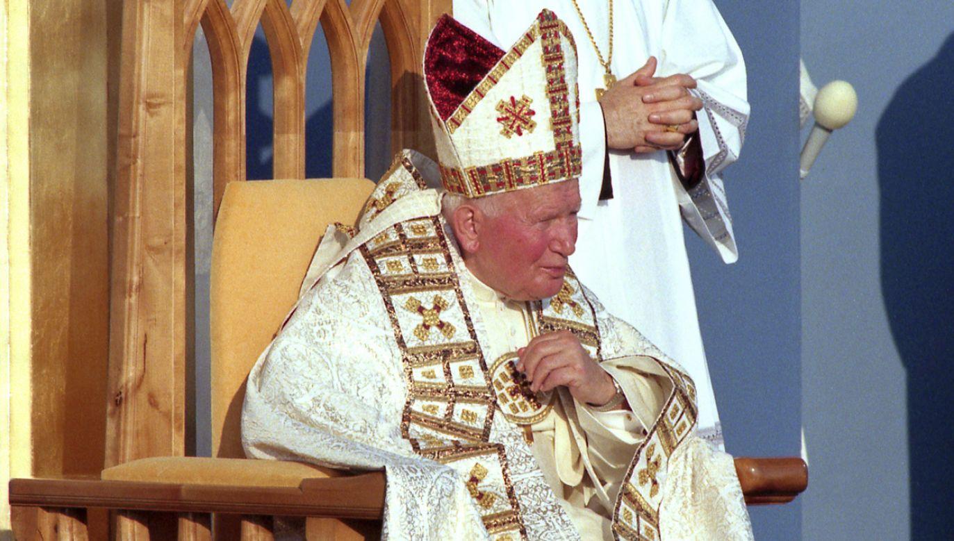 Papież Jan Paweł II podczas pielgrzymki do Polski w 1999 r. (fot. TVP/Jan Bogacz)