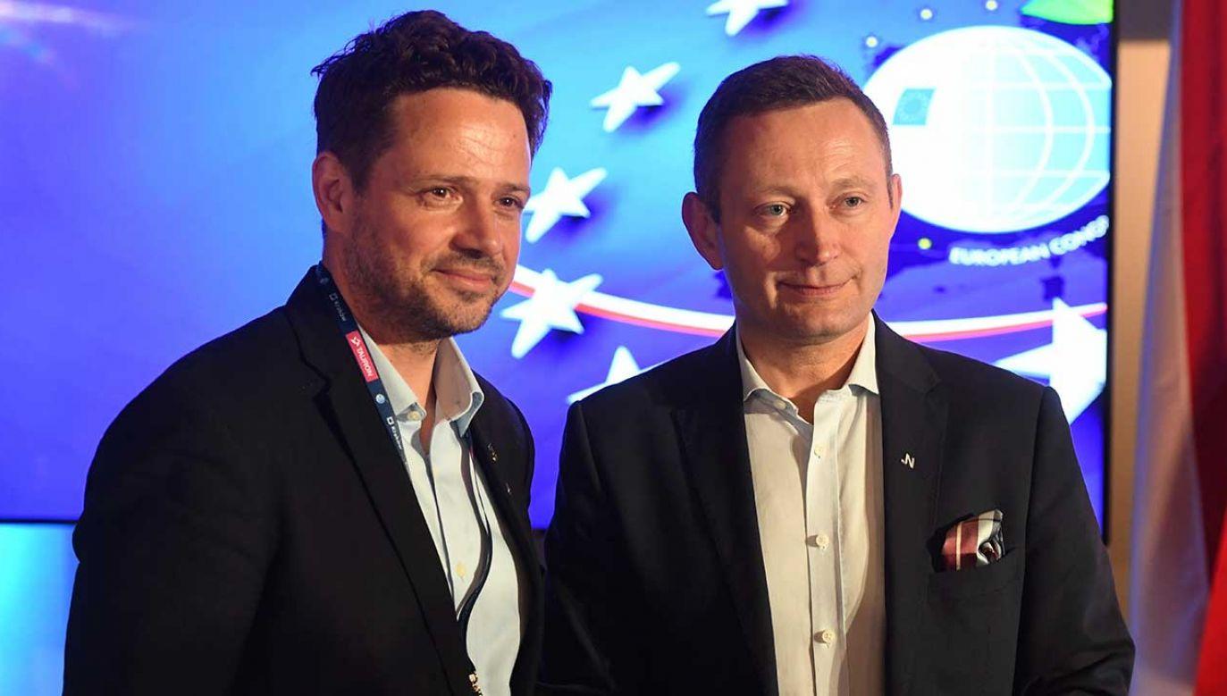 Prezydent stolicy Rafał Trzaskowski i wiceprezydent Paweł Rabiej (fot. arch. PAP/Jacek Bednarczyk)