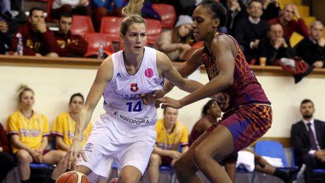 Sonja Greinacher (L) (fot. PAP/Stanisław Rozpędzik)
