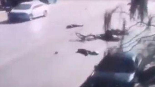Na ziemi leżały dziecięce buty i inne przedmioty (fot. CCTV)