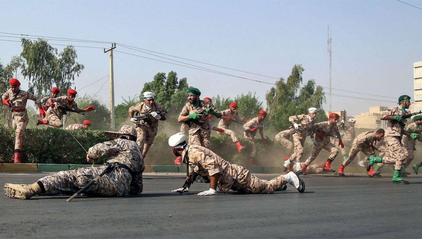 Sankcje to efekt działalności wspieranej przez irańskie władze milicji Basidż (fot. PAP/EPA/MORTEZA JABERIAN)