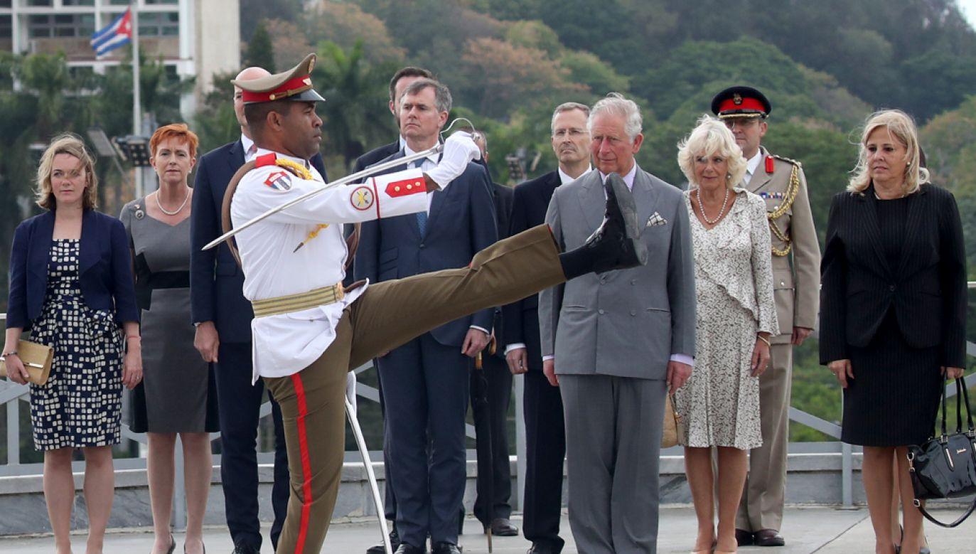 Książę Karol wraz ze swoją żoną Kamilą rozpoczęli w niedzielę oficjalną wizytę na Kubie (fot. Chris Jackson/Getty Images)