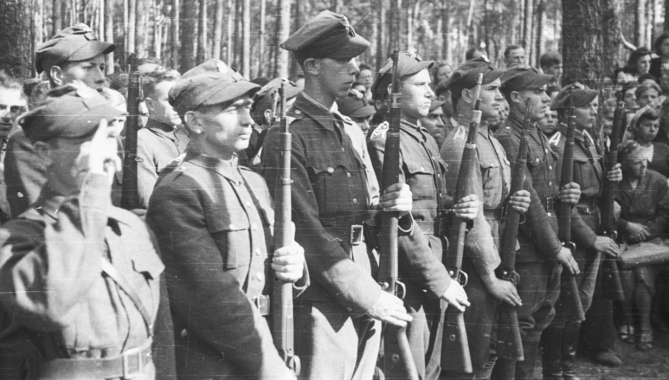AK jest uważana za największe i najlepiej zorganizowane podziemne wojsko działające w okupowanej Europie (fot. arch.PAP/CAF/Szczeciński)