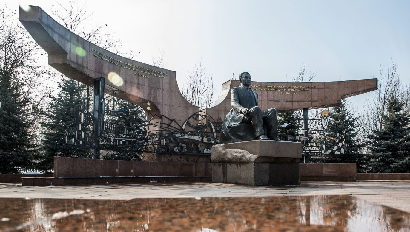 Pomnik prezydenta Nursułtana Nazarbajewa w dawnej stolicy Kazachstanu Ałmatach. Fot. Taylor Weidman/LightRocket via Getty Images