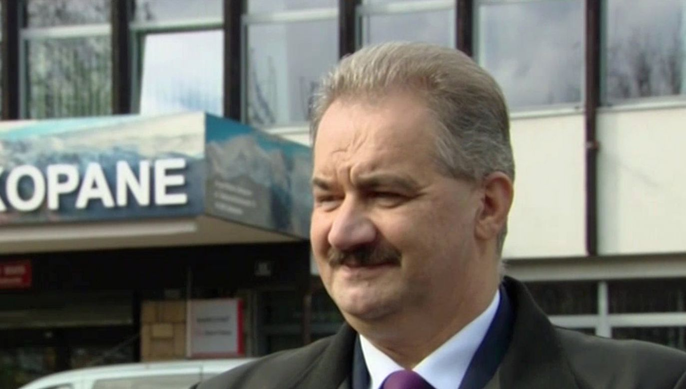 Według sondażowych wyników Leszek Dorula wygrywa w I turze (fot. TVP Info)