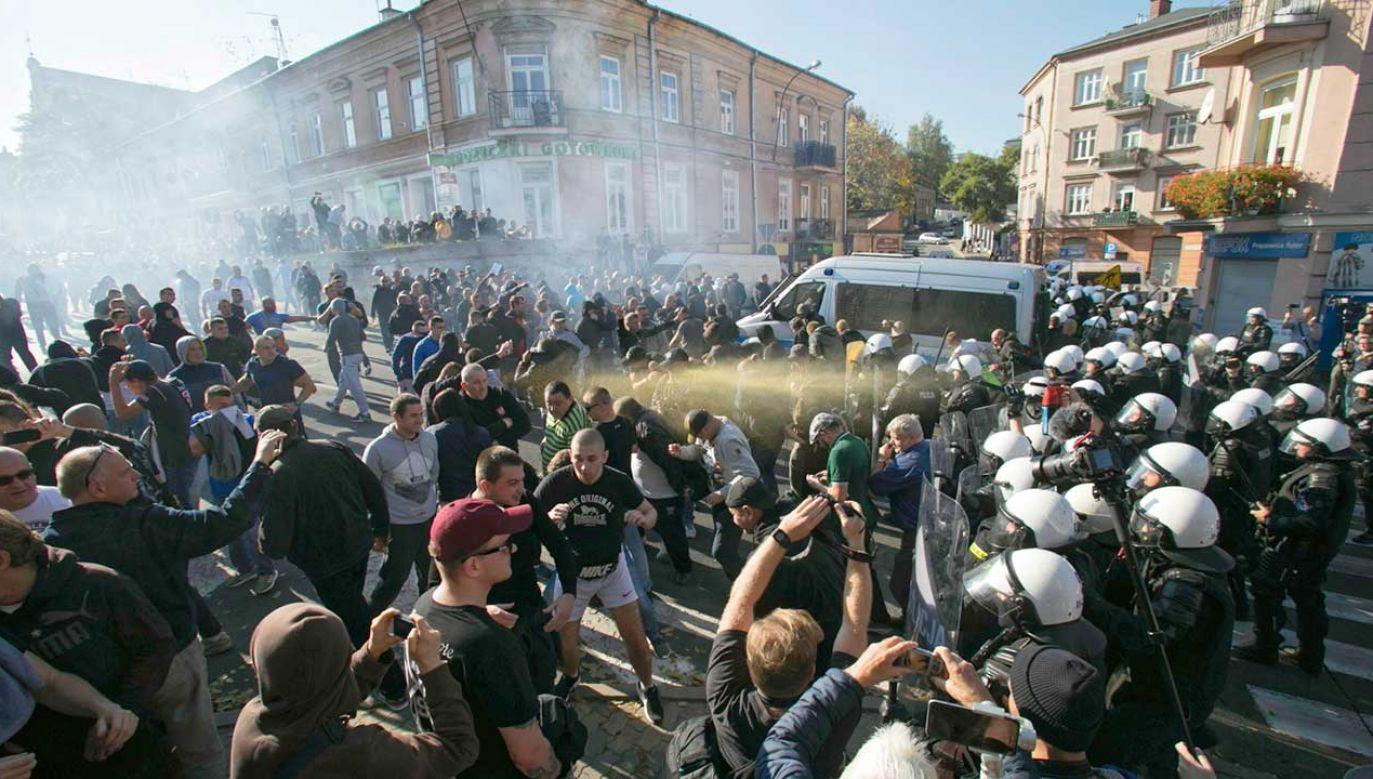 Policja ochrania Marsz Równości na ulicach Lublina (fot. PAP/Wojtek Jargiło)