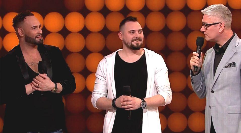 """Daniel Rychter i Sebastian Wojtczak z Łodzi zaśpiewali """"Black And White"""" i wyśpiewali wyróżnienie (fot. TVP)"""